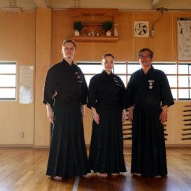 Treninigi iaido w Japonii w dojo Sensei Furuichi